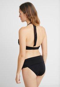 Pour Moi - AZURE HALTER LIGHTLY PADDED UNDERWIRED - Bikini top - black - 2