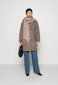 Selected Femme - SLFESSIE COAT - Klassischer Mantel - light grey melange - 1