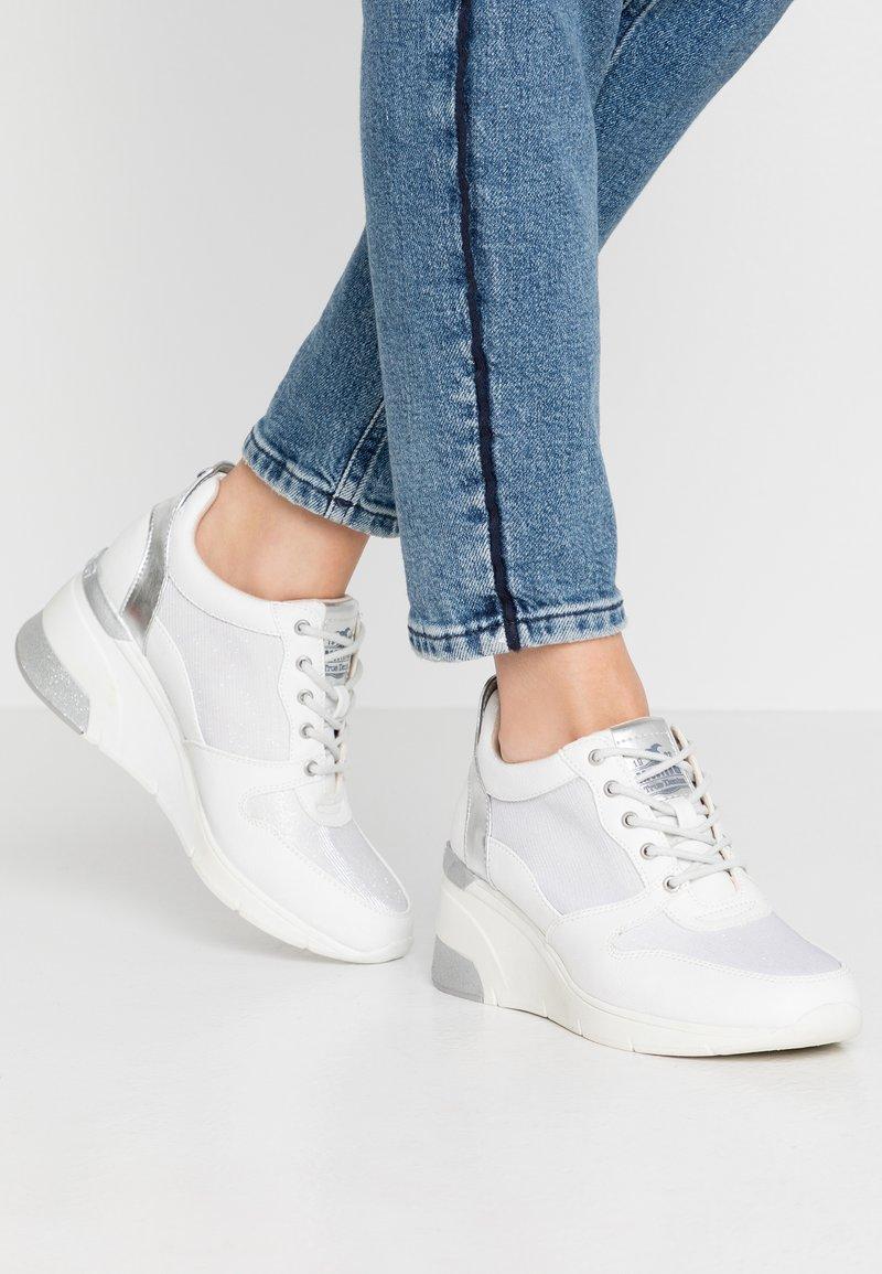 Mustang - Sneakers - weiß