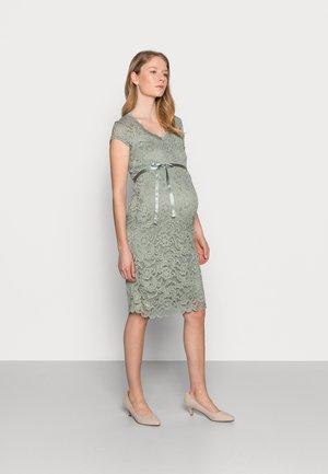 MLNEWMIVANA CAP DRESS - Koktejlové šaty/ šaty na párty - green milieu