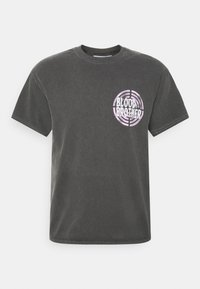 JUDAH TARGET GRAPHIC PRINT TEE - Print T-shirt - grey