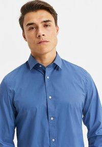 WE Fashion - Shirt - blue/grey - 4