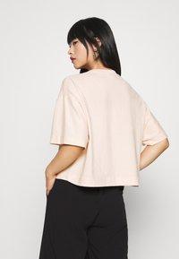 Topshop Petite - PANEL BOXY TEE - Basic T-shirt - pink - 2