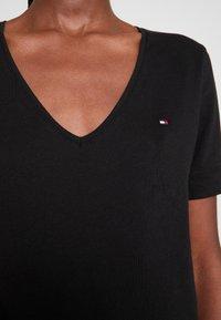 Tommy Hilfiger - CLASSIC  - Basic T-shirt - black - 4