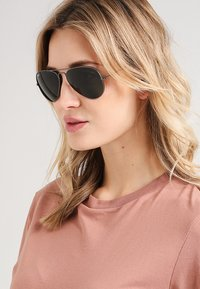 Ray-Ban - 0RB3025 AVIATOR - Solbriller - anthracite - 1