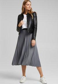 Esprit - A-line skirt - gunmetal - 1