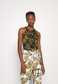 Versace Jeans Couture - Print T-shirt - black/gold - 0