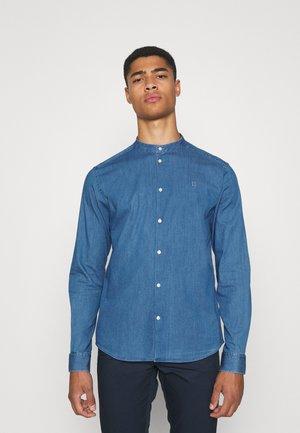 LEE MANDARIN SHIRT - Košile - dust blue
