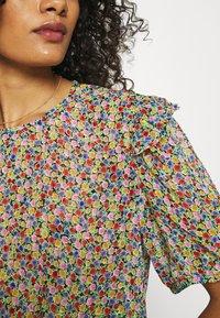 Lindex - BLOUSE AURELIA - Print T-shirt - black - 5
