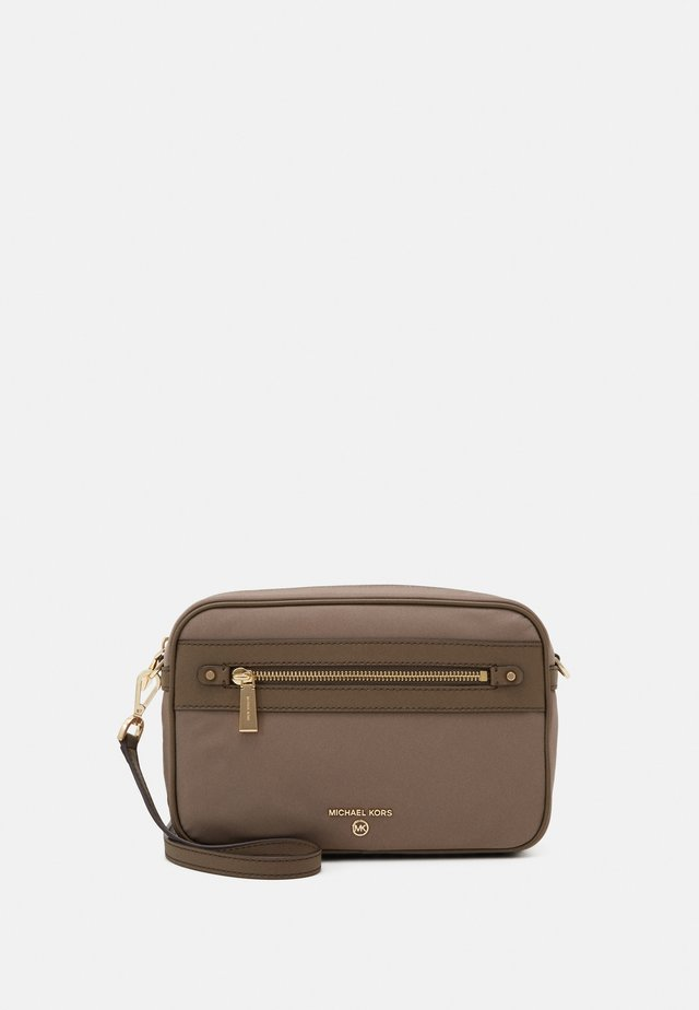 JET SET CROSSBODY - Across body bag - dune