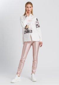 Marc Aurel - Button-down blouse - off white varied - 1
