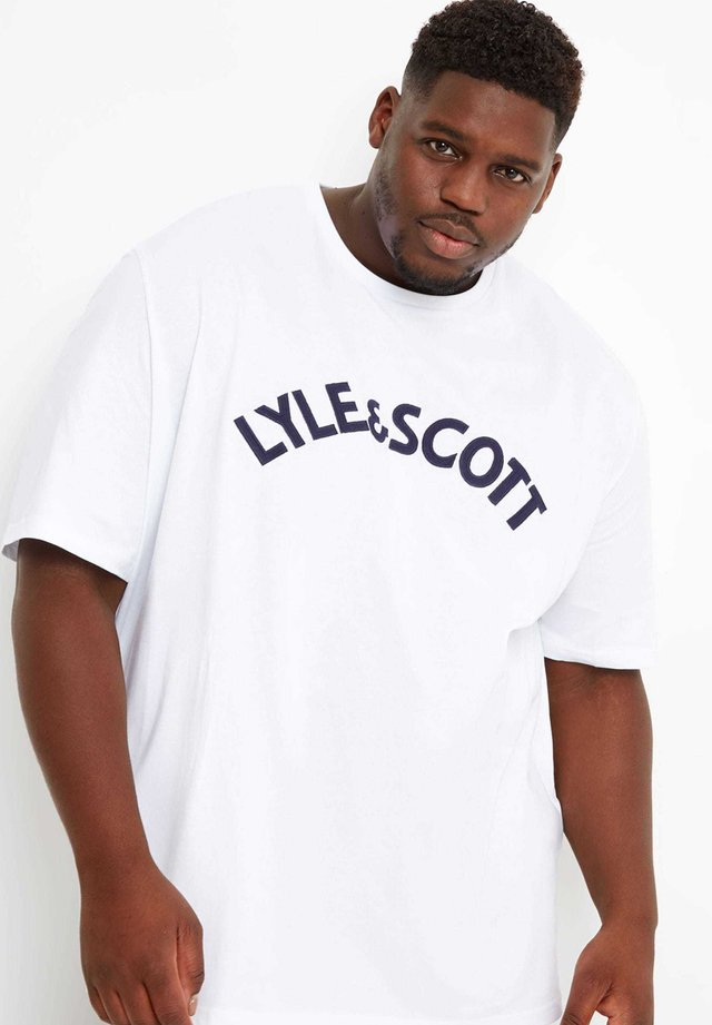 LYLE & SCOTT  - Print T-shirt - white