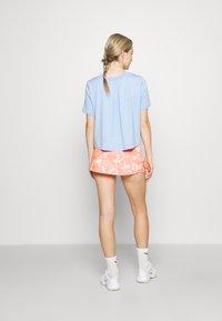 Endless - FALDA MINIMAL  - Sports skirt - orange - 2