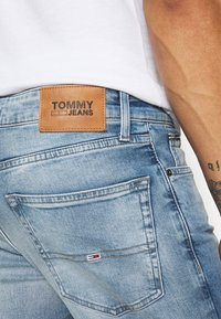 Tommy Jeans - SCANTON SLIM - Slim fit -farkut - wilson light blue - 5