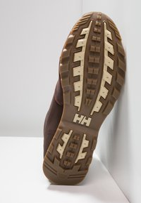 Helly Hansen - TSUGA - Trekking boots/ Trekking støvler - brunette/jet black/natura - 4