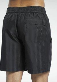 Reebok Classic - CLASSICS - Shorts - black - 4