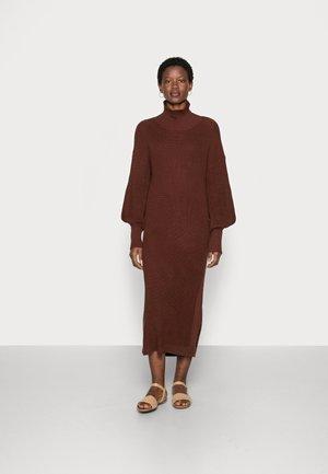 SCARLETT  DRESS - Jumper dress - chocolate fondant