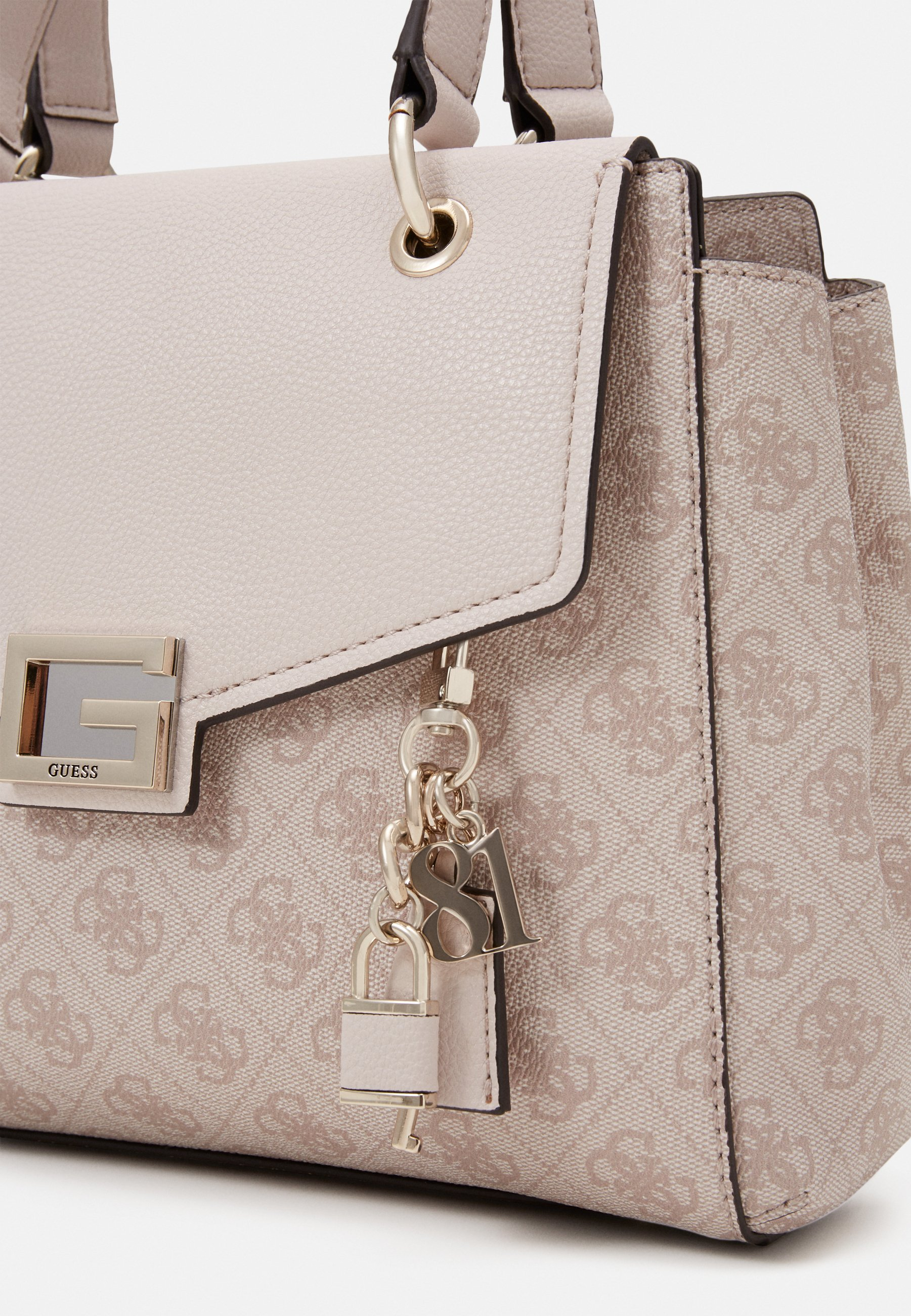 Guess VALY SMALL GIRLFRIEND SATCHEL - Skulderveske - stone/offwhite d41syZZQ76vz2qj