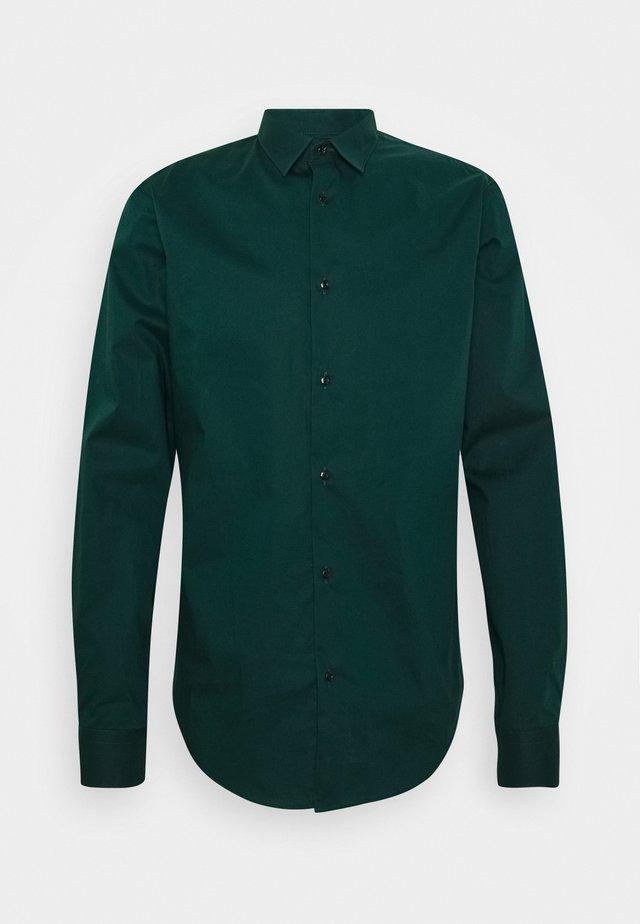 Skjorta - fern