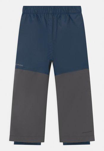 ESCAPE UNISEX - Zimní kalhoty - dark sea