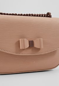 Ted Baker - DAISSY - Across body bag - taupe - 6