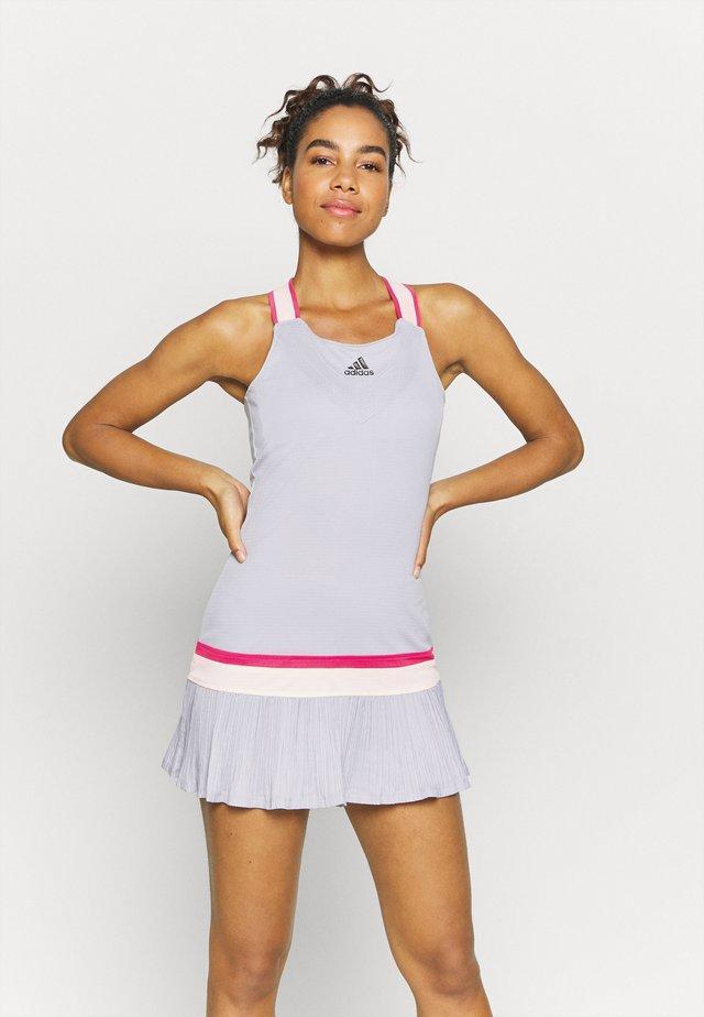 PRO HEAT SPORTS SLIM DRESS SET - Sukienka sportowa - glow grey