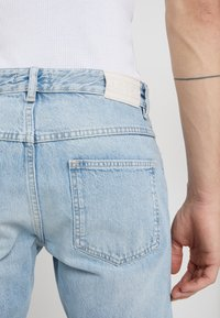 CLOSED - COOPER - Jeans Tapered Fit - light blue - 3