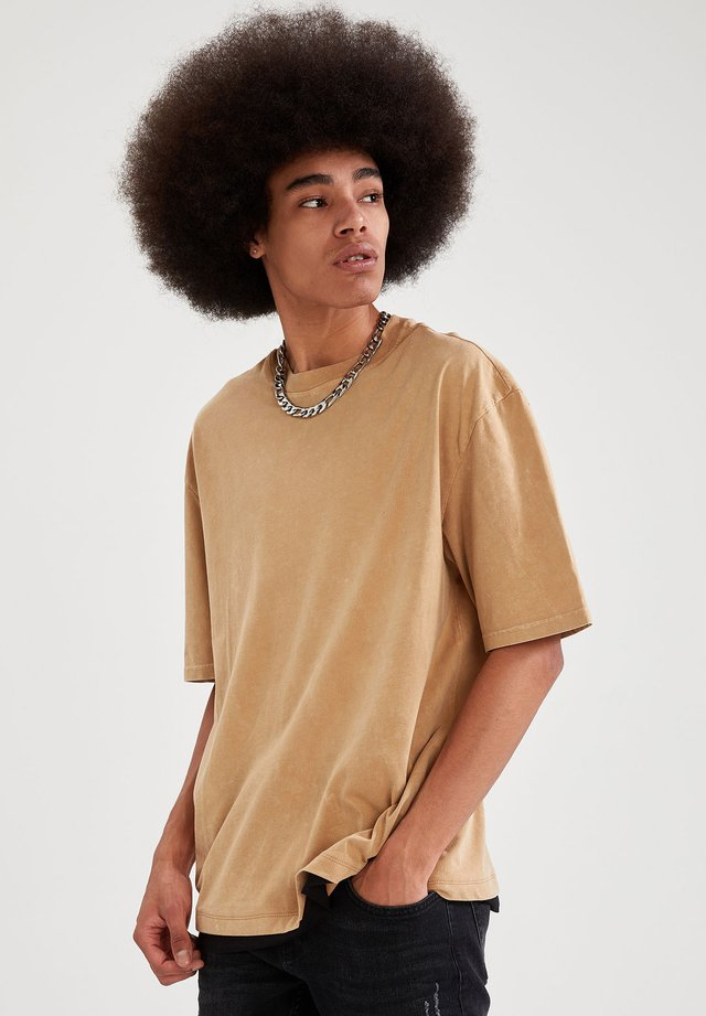 T-shirt con stampa - brown