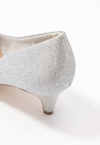 Tamaris - COURT SHOE - Pumps - silver glam - 2