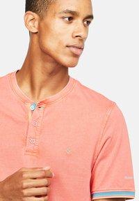 Colours & Sons - KAI - Polo shirt - rot - 2