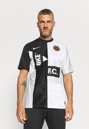 FC HOME - T-shirt imprimé - black/white/pure platinum