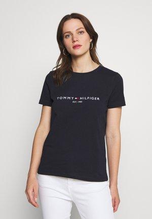 T-shirts med print - desert sky