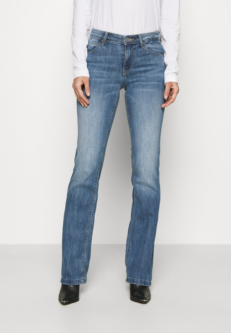 Guess - SEXY BOOT - Flared Jeans - blue denim