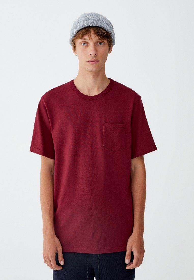 PULL&BEAR - MIT BRUSTTASCHE - T-shirt - bas - bordeaux