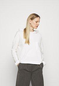 Marc O'Polo DENIM - LONGSLEEVE HOODED - Long sleeved top - scandinavian white - 0
