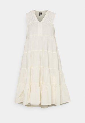 VMLORETTA DRESS - Vardagsklänning - birch