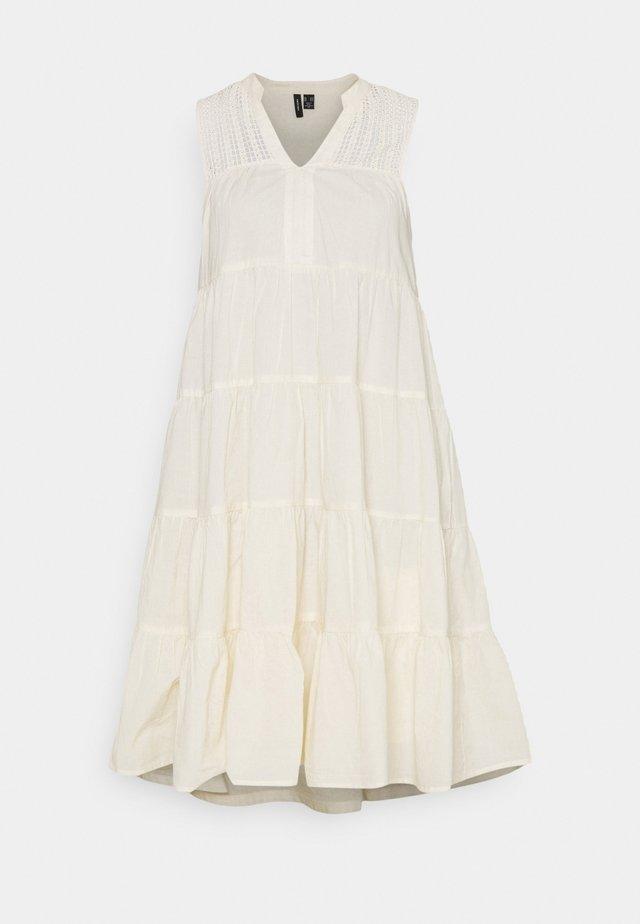 VMLORETTA DRESS - Day dress - birch