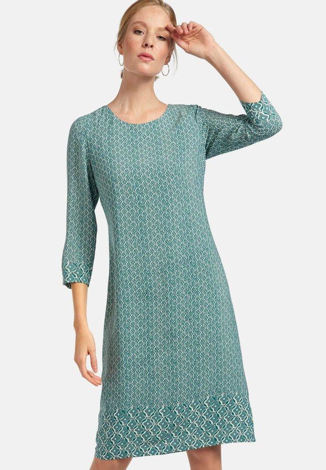 ABEND MIT 3/4-ARM - Vestito estivo - smaragd/multicolor