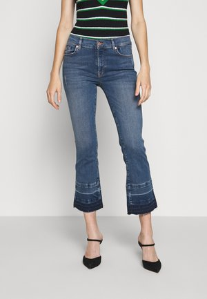 CROPPED UNROLLED - Flared Jeans - mid blue