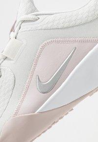 Nike Performance - FOUNDATION ELITE TR 2 - Obuwie treningowe - platinum tint/metallic silver - 5