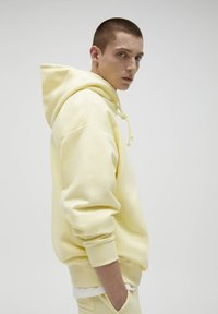 PULL&BEAR - Hoodie - yellow - 3