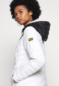 Barbour International - LIGHTNING QUILT - Light jacket - optic white/black - 5