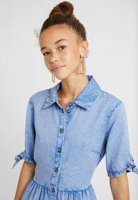 Miss Selfridge Petite - SHIRT DRESS - Farkkumekko - blue - 6