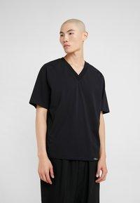 3.1 Phillip Lim - OVERSIZED BOXY VNECK TEE - T-shirt basique - black - 0