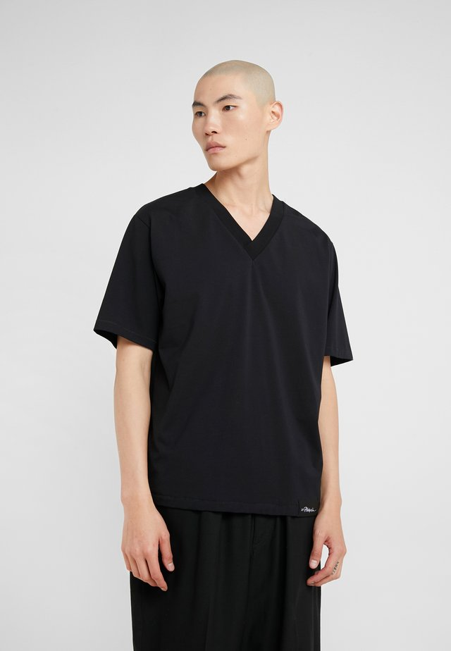 OVERSIZED BOXY VNECK TEE - Basic T-shirt - black