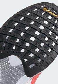 adidas Performance - SL20 SHOES - Löparskor stabilitet - pink - 9