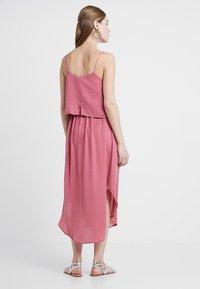 Ripe - NURSING SLIP DRESS - Denní šaty - rose - 2