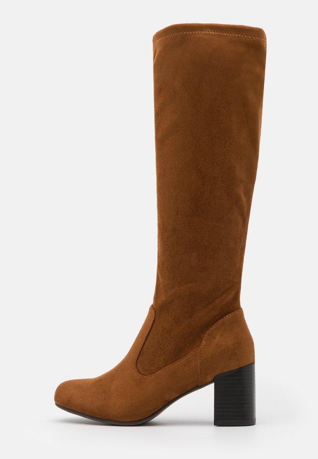 HUE - Boots - tan