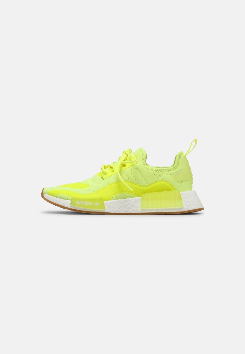 adidas Originals - NMD_R1 UNISEX - Tenisky - yellow