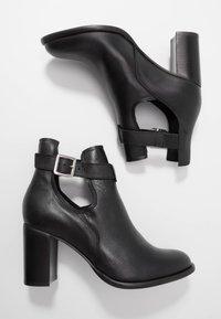 Zign - Kotníková obuv - black - 3